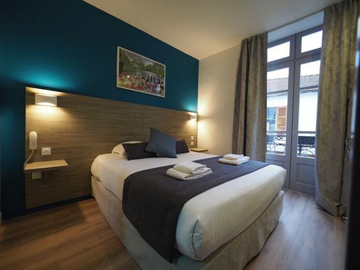 Hotel de Biarritz - Vichy - Bedroom