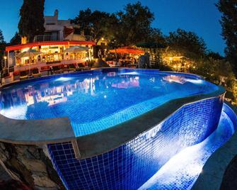 Pitahaya Home - Golturkbuku - Pool