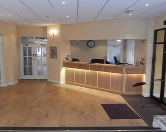 Eden House Hotel - Grantham - Front desk