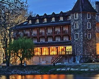 Hôtel Restaurant L'Ecluse en Périgord - Sorges-et-Ligueux-en-Périgord - Gebouw