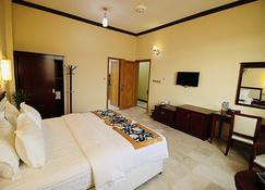 Farah Hotel Apartment - Al Azaiba - Bedroom