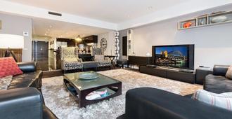 Ppt50 Sleek 2 Bed Designer Abode - Sydney - Salon