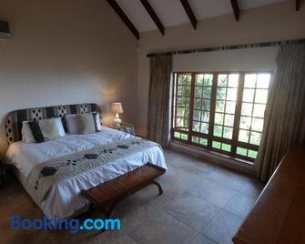 Thatch by The Sea - KwaDukuza - Bedroom