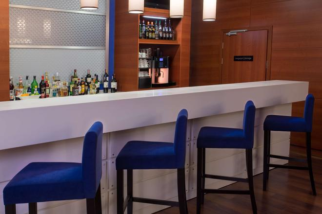 Hampton by Hilton Gdansk Airport - Gdansk - Bar