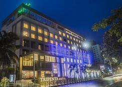 Kpm Tripenta Hotel - Kozhikode - Building