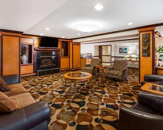 Baymont by Wyndham Auburn Hills - Auburn Hills - Lobby