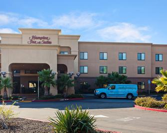 Hampton Inn & Suites Oakland Airport-Alameda - Alameda - Building