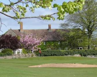 Mendip Spring Golf Club - Winscombe - Вигляд зовні
