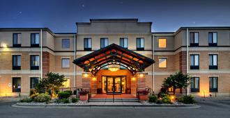 Staybridge Suites Middleton/Madison-West - Middleton - Building