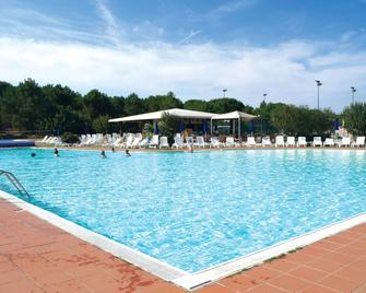 Club Esse Gallura Beach Village - Aglientu - Zwembad