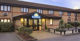 Days Inn by Wyndham London Stansted Airport - Bishop's Stortford