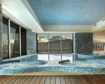 Arakur Ushuaia Resort & Spa - Ushuaia - Pileta