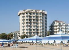 Hotel Terminal Palace & Spa - Римини - Здание