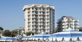Hotel Terminal Palace & Spa - Rimini - Toà nhà