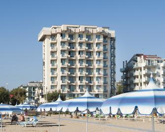 Hotel Terminal Palace & Spa - Rimini - Gebäude