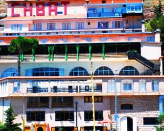 Hotel Chbat - Bsharri - Gebouw