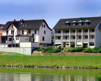Straubs Schöne Aussicht - Klingenberg am Main - Building