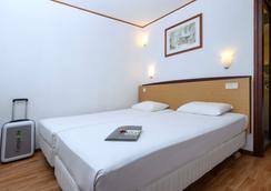 Hotel Campanile Gent - Ghent - Bedroom