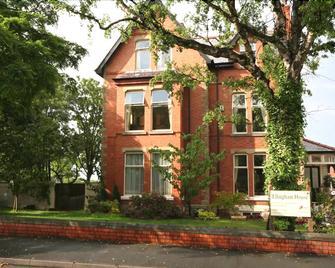 Ellingham House - Кольвин-Бей - Здание