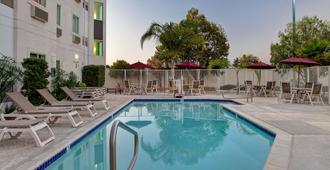 Motel 6 Gilroy - Gilroy - Pool
