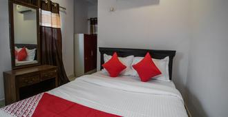 OYO 13251 Hotel Three Castles Deluxe - Hyderabad