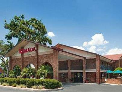 Ramada by Wyndham Temple Terrace/Tampa North - Tampa - Building