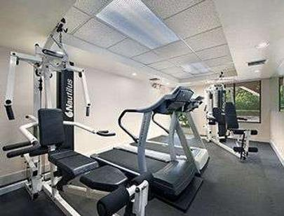 Ramada by Wyndham Temple Terrace/Tampa North - Tampa - Gym