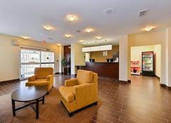 Sleep Inn & Suites Gulfport - Gulfport - Front desk