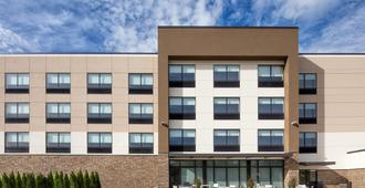 Holiday Inn Express & Suites East Peoria - Riverfront - East Peoria