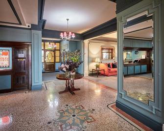 Green Dragon Hotel - Hereford - Lobby