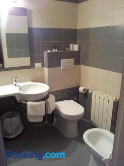 Cavalieri del Tau - Lucca - Bathroom