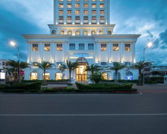 Vinpearl Hotel Quang Binh - Донгхой - Здание