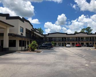 SureStay Hotel by Best Western Conway - Conway - Building
