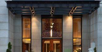 L'Hermitage Hotel - Vancouver - Rakennus