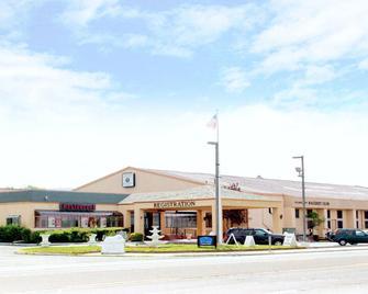 Oh St Joseph Resort Hotel - Egg Harbor Township - Building