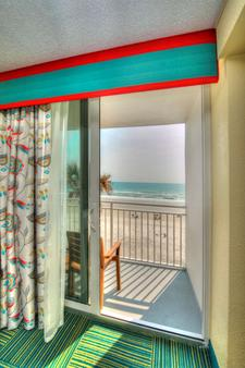 Best Western Aku Tiki Inn - Daytona Beach - Balcony