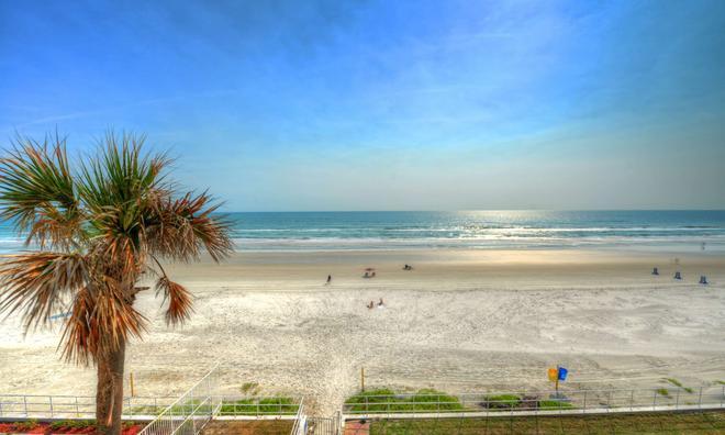 Best Western Aku Tiki Inn - Daytona Beach - Beach