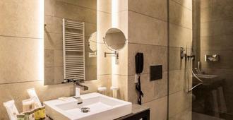 Vincci Mercat - Valencia - Bathroom