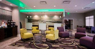La Quinta Inn & Suites by Wyndham Virginia Beach - Virginia Beach - Lounge