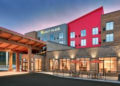 Hyatt Place Anchorage-Midtown - Anchorage - Building