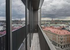At Six - Estocolmo - Balcón