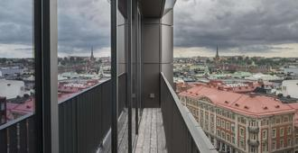 At Six - Stockholm - Balkon