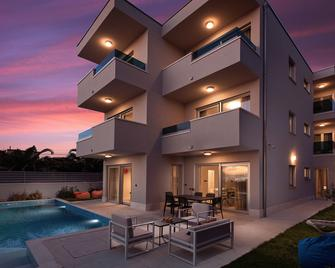 Luxury Villa Karla - Podstrana - Building
