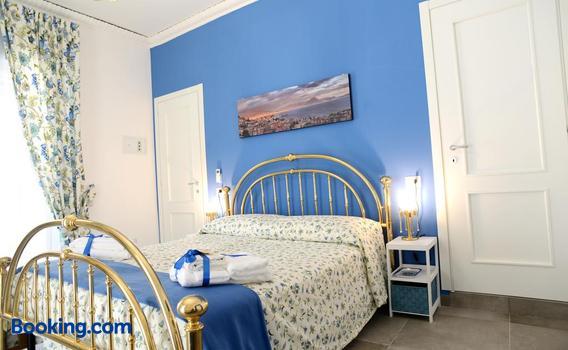 La Terrazza Ai Miracoli 79 9 5 Naples Hotel Deals