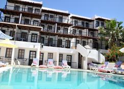 Jarra Hotel - Gumbet - Building