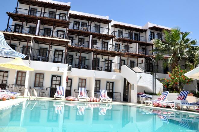 Jarra Hotel - Gumbet - Toà nhà