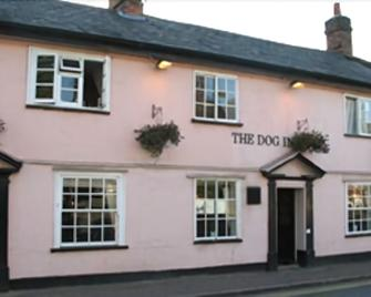 The Dog Inn - Halstead - Gebouw