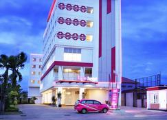 巴東奧羅菲芙飯店 - 巴東 - 建築