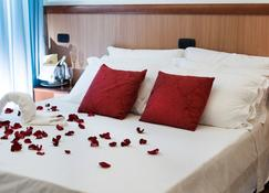Hotel Accord Le Rose - Taranto - Κρεβατοκάμαρα