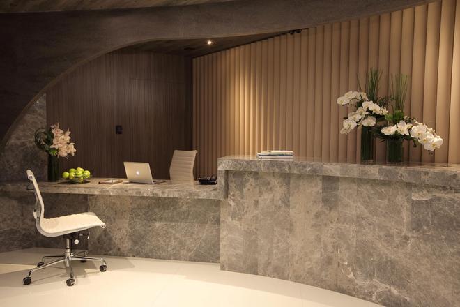 The Perkin Hotel - Hong Kong - Front desk